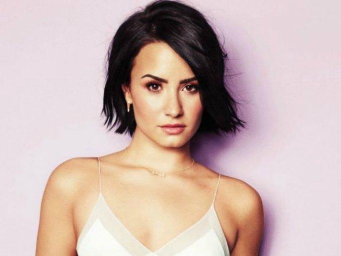 El padre de Demi Lovato tiene ascendencia mexicana.