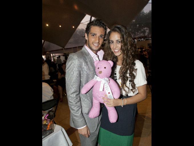 Isaac Zonana y Emily Daniel