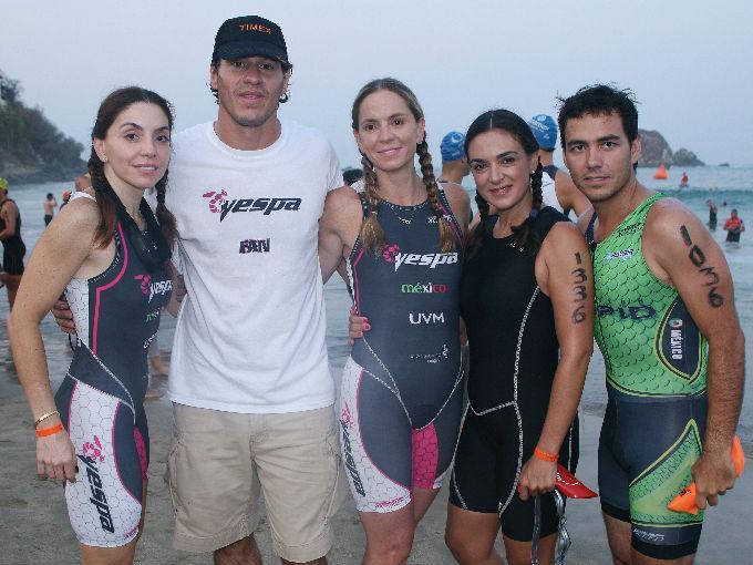 Alejandra García, Santiago Pacheco, Paola García, María Córdova y Edgar Fonseca