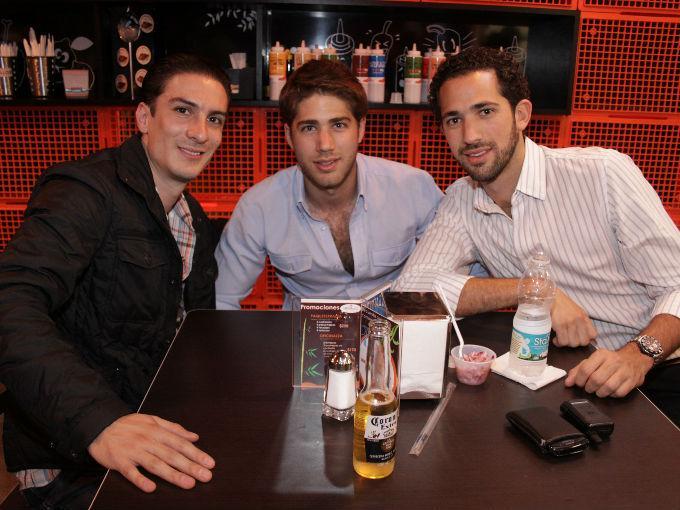 Arturo Silva con Jorge Manuel y Diego Bello