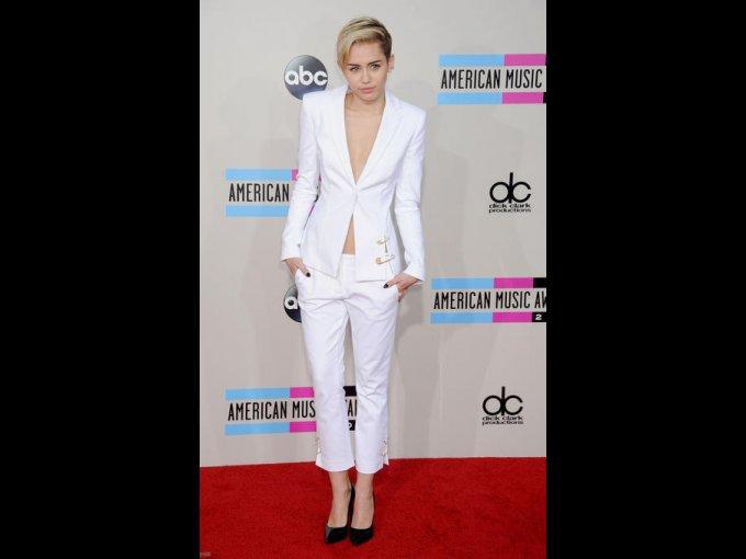 Miley Cyrus en Versus, Los Angeles