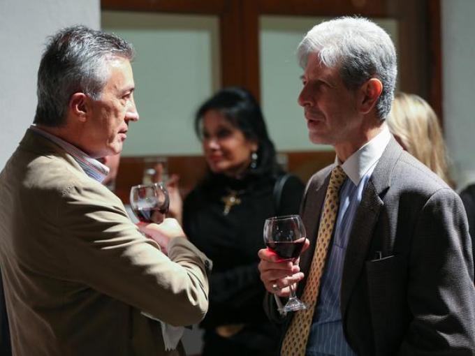 Hugo Enrique con, Héctor Rivero Borrell