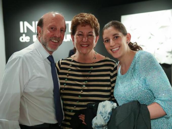 Mauricio Zundel, Nina Levín con Clara Levín