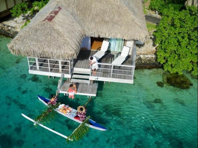 5. Intercontinental Moorea Resort and Spa – Moorea (Polinesia Francesa) / El hotel cuenta con 144 habitaciones y bungalows situados a lo largo de amplios jardines.