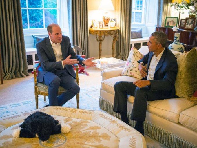 Como parte de su gira internacional, el presidente de los Estados Unidos, Barack Obama,  y su esposa Michelle Obama, se reunieron con los duques de Cambridge en el Palacio de Kensington.