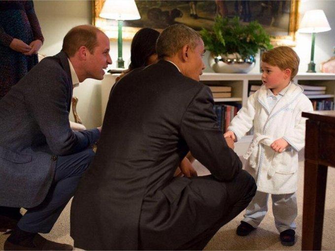 Durante su reunión, el pequeño miembro de la realeza británica, atrapó la atención del mandatario estadounidense