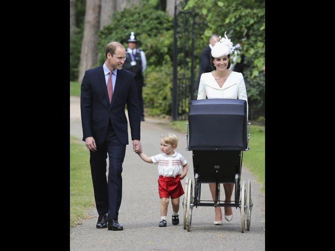 Duquesa de Cambridge: Kate Middleton ha revitalizado la moda británica con su estilo elegante y refinado. La podemos ver usando desde vestidos de Alexander McQueen y Roksanda Ilincic hasta skinny jeans de Zara o Topshop.
