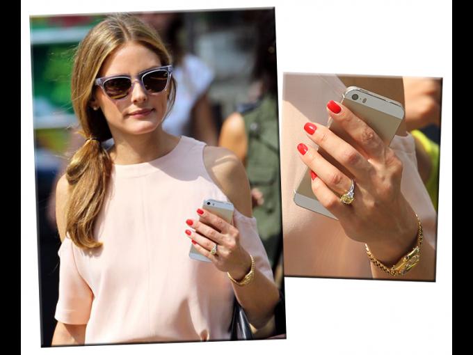 Olivia Palermo, una de las más famosas it-girls del mundo, recibió un anillo de compromiso  con un radiante diamante amarillo por parte de Johannes Huebl en 2014.
