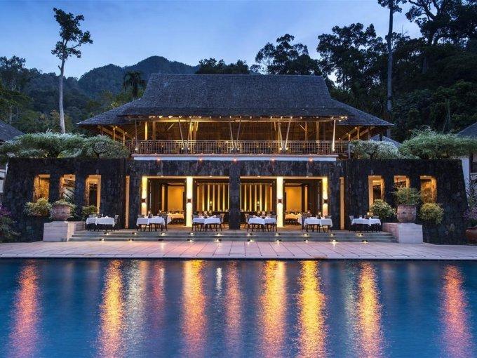 10. The Datai Langkawi, Malasia: ubicado en medio de la selva del sudeste asiático, frente al Mar Andamán, este hotel invita a reconectarse con la naturaleza y con uno mismo.