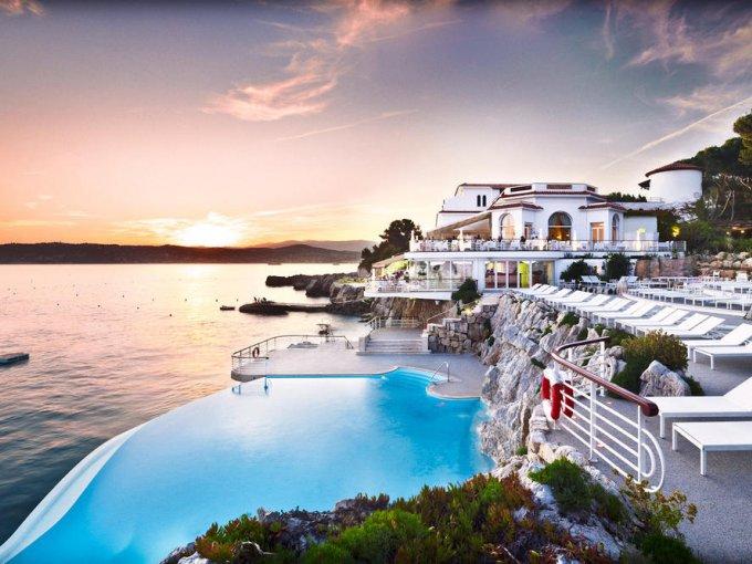 8. Hôtel du Cap-Eden-Roc, Antibes, Francia: el lugar ideal para disfrutar de la Costa Azul, sólo abre por temporadas y el próximo año estará listo a partir del 14 de abril.