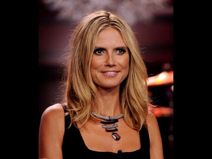 Heidi Klum triunfó en televisión con la producción del reality show Project Runway, se hizo empresaria y diseña su propia línea de joyería y sandalias.