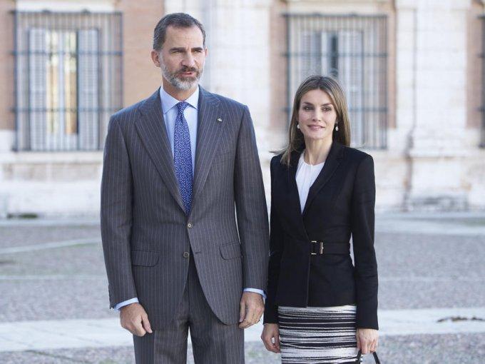 Doña Letizia: la actual reina de España estudió Ciencias de la Información en la Universidad Complutense de Madrid, colaboró con el diario ABC y la Agencia EFE, trabajó para el diario Siglo XXI, en Guadalajara y como presentadora en Televisión Española.