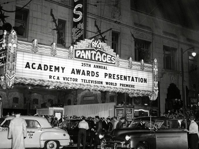 Se inauguran los Premios Óscar el 16 de mayo de 1926