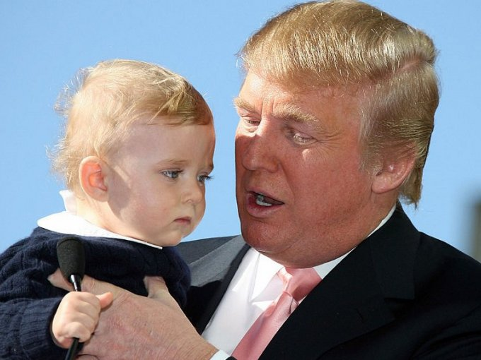 Barron Trump y Donald Trump