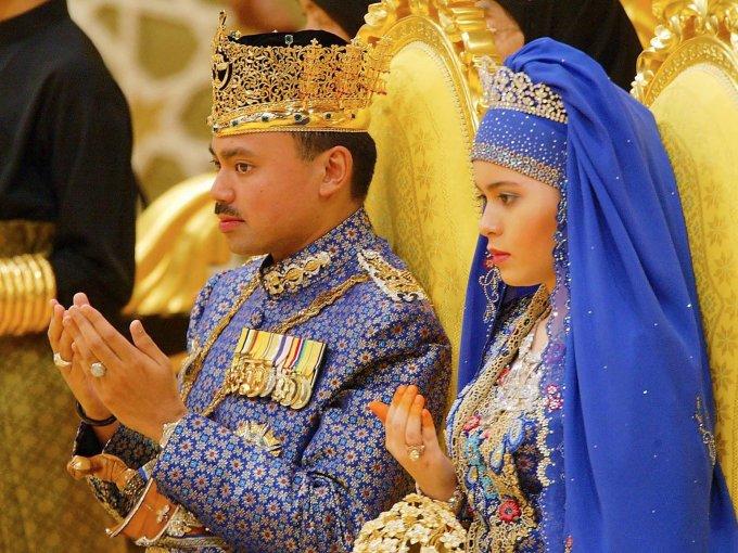 Sarah y el príncipe Al-Muhtadee Billah: otro que duró dos semanas entre conciertos y shows