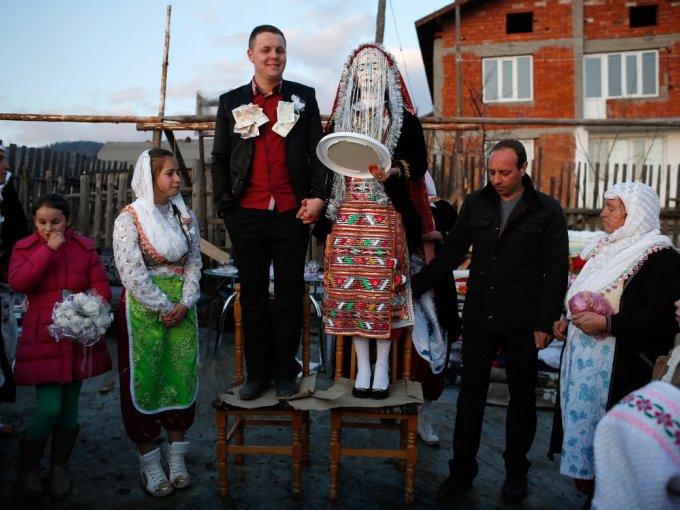 Un vestido nupcial representa distintas cosas en cada país. El color, la forma y los detalles están diseñados de acuerdo con sus costumbres y creencias religiosas.  Aquí algunos que quizá no habías visto: