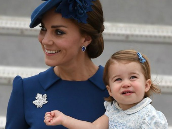 Kate Middleton no se resistió a combinar el outfit de su hija con el suyo, ¿el resultado? ¡ADORABLE!
