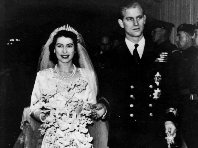 Isabel II y Philip:  la ceremonia de la boda fue transmitida a 200 millones de oyentes de la radio