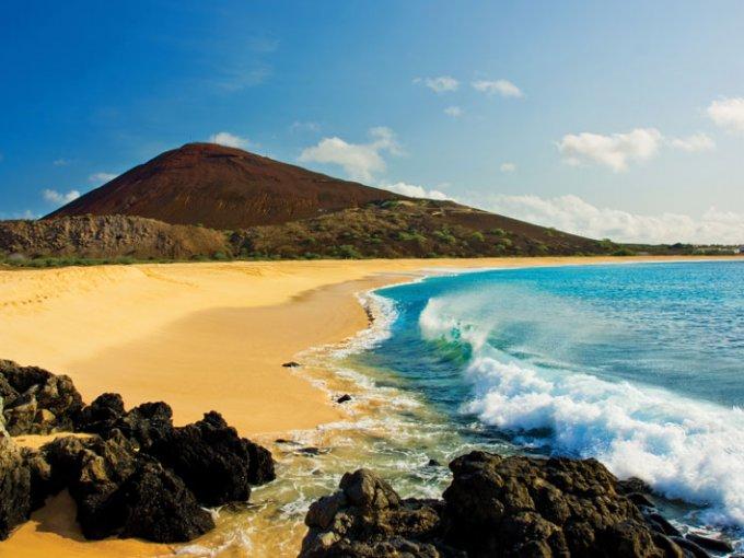 Isla Santa Elena-  esta isla tropical es ideal para descansar o vivir aventuras.