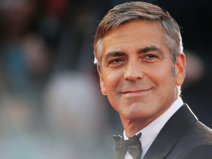 George Clooney ha sido galardonado con cuatro Globos de Oro, dos Óscar, y un BAFTA. Por lo tanto, aquí te presentamos algunas de las películas donde este actor se luce como nunca: