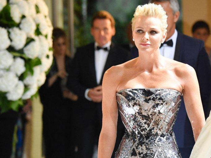 Cuando de princesas se trata, una de las más elegantes es Charlene de Mónaco. Su belleza e impresionante estilo atraen miradas. Aquí algunos de sus mejores looks: