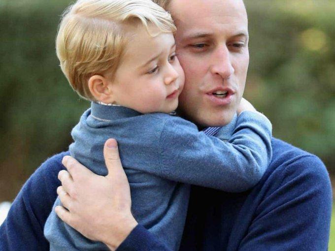 El Duque de Cambridge no pierde oportunidad para demostrar el amor que siente por sus hijos, George y Charlotte, por eso lo hemos nombrado el padre más tierno. ¿Qué opinas? Aquí sus mejores fotos: