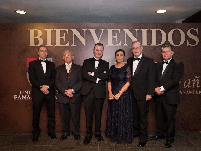 Santiago García, Héctor Lerma, José Antonio Lozano, Fernanda Llergo, Juan de la Borbolla y José Antonio Esquivias