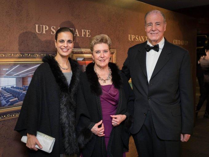 Michelle Rodríguez con María Esther y Sergio Guerra