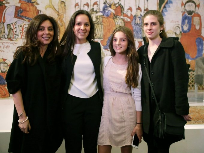 Marisa Díaz, Alexa y Natalia Dersdepanian con Stephanie Rubli