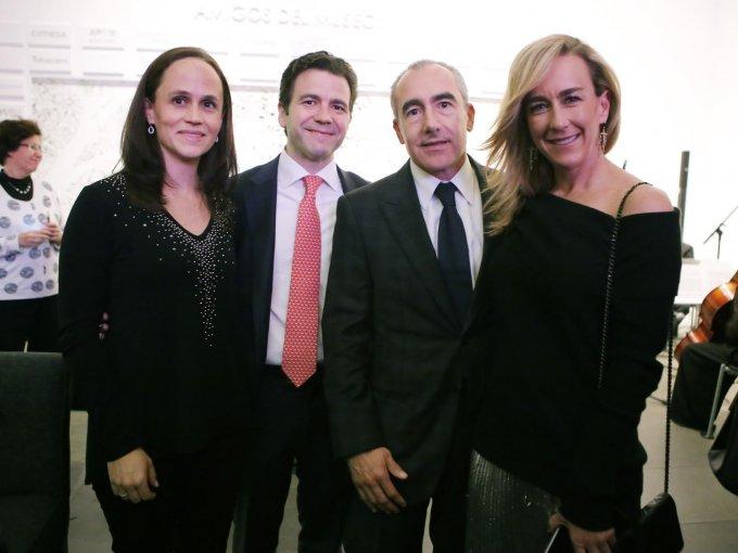María y Gerardo Álvarez con Emilio Paulon y Tania Odabachian