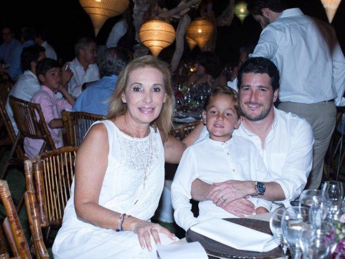 Saly Escobar, René Escobar y Alejandro Escobar