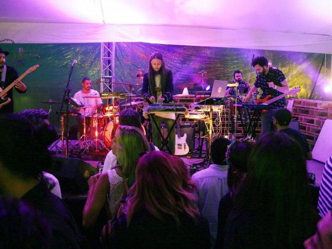 Timothy Brownie formó parte de los músicos invitados
