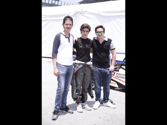 Santiago Sánchez Henkel, Íñigo León y Alex Quintana