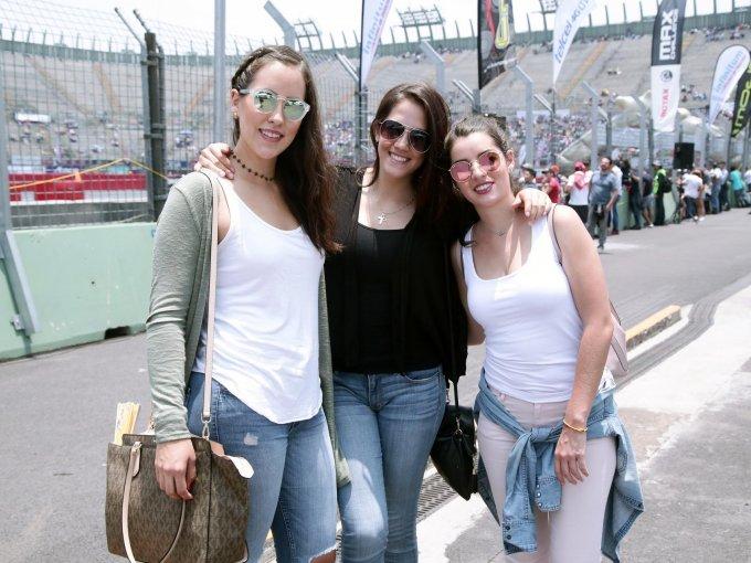 Montserrat León, Karla Rojas y Luisa Naves