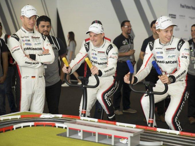 André Lotterer, Earl Bamber y Brendon Hartley, los pilotos del equipo Porsche