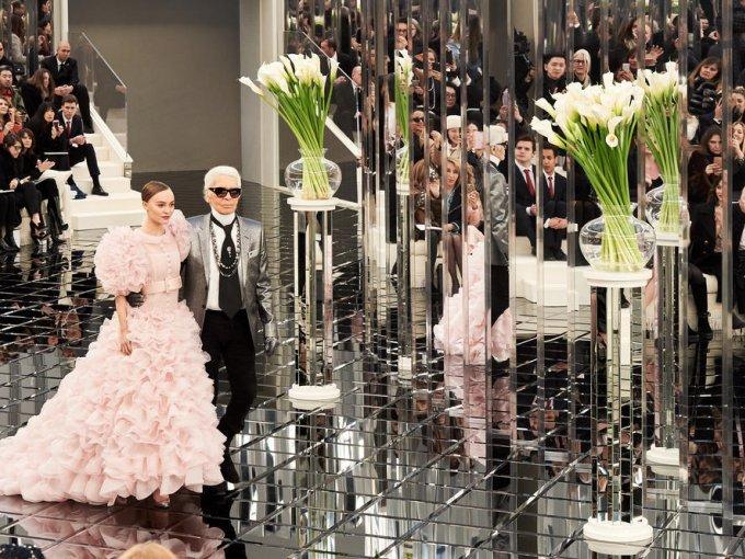 Las nuevas creaciones de Dior, Schiaparelli, Giambattista Valli y Chanel, fueron la excusa perfecta para que los famosos cambiaran Los Angeles, Londres y Nueva York  por París; ciudad en la que han ocupado la primera fila (o incluso participado) en los desfiles de moda más importantes del planeta.