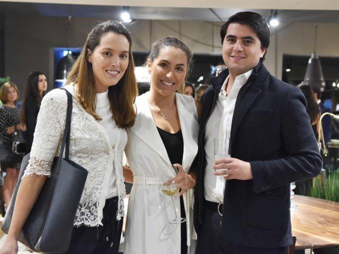Cristina Pilgram, Cecilia Pilgrim y Javier de la Cerda