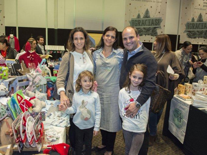 Mariel Maza y Mara Ortiz con Jorge, Emiliana y Carolina Rey
