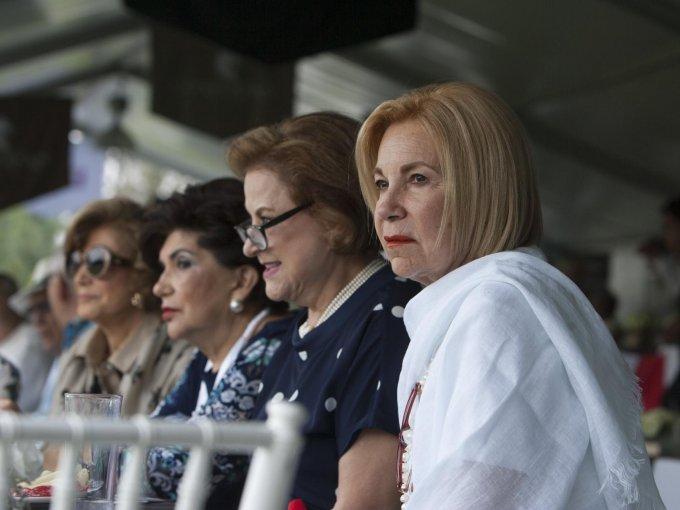 Ana Chedraui, Sofía de Acosta, Estela Chedraui de Fernández y Ángela Esguía de Chedraui