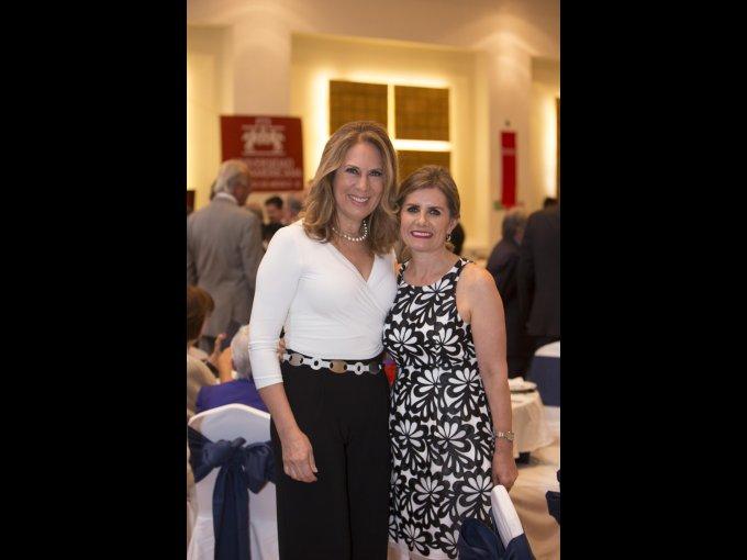 Patricia Barrieta de Zubiría y Mary Carmen de Mendoza
