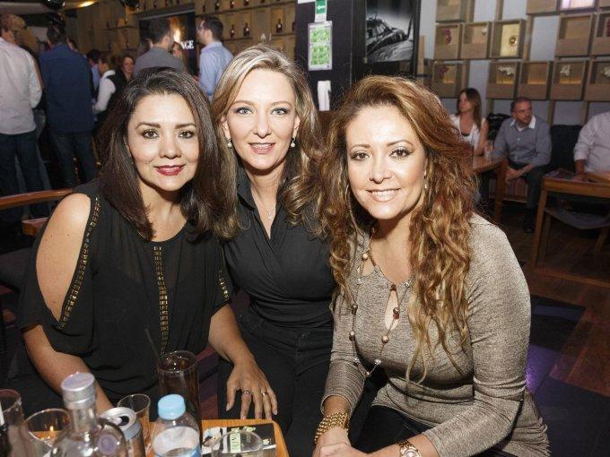 Claudia Contreras, Irina Hidalgo y Éricka Quintero