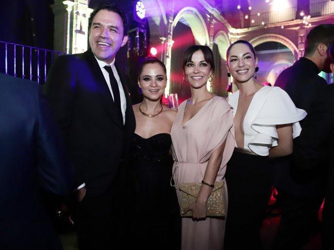 Fernando Rovzar, Damayanti Quintanar, Rocío Verdejo y Bárbara Mori