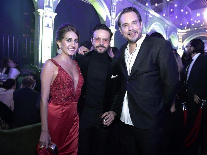 Alma Luna, Chema Torre y Daniel Osuna