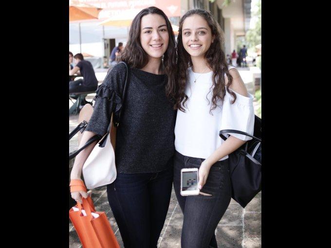 Debbie Padilla y Aranza Noval