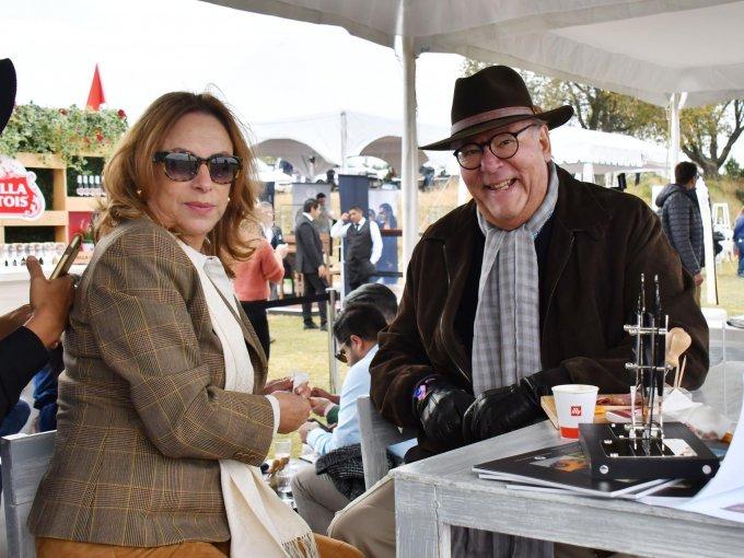 Mary Pier Ochoa y Adolfo Autrey