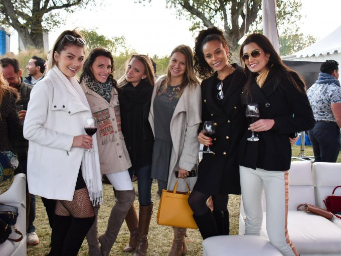 Joyce Winter, Mónica Balci, Andrea Huacuja, Caroline Leal, Lohanne Tessa y Carolina Formica