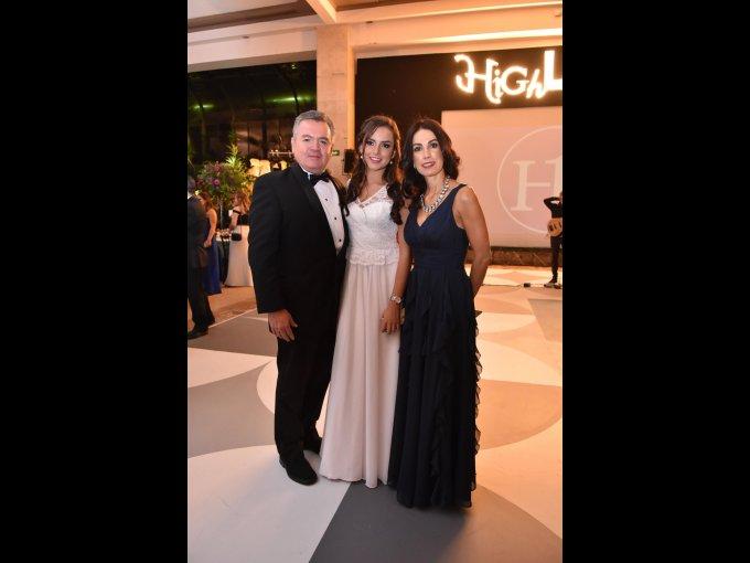 Luis Calzada, Constanza Calzada y Erika Calzada