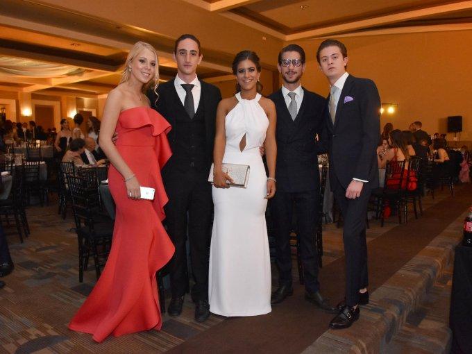 Carla Rellano, Samir Manzur, Natalia de León, Santiago Manzur y José Mangino