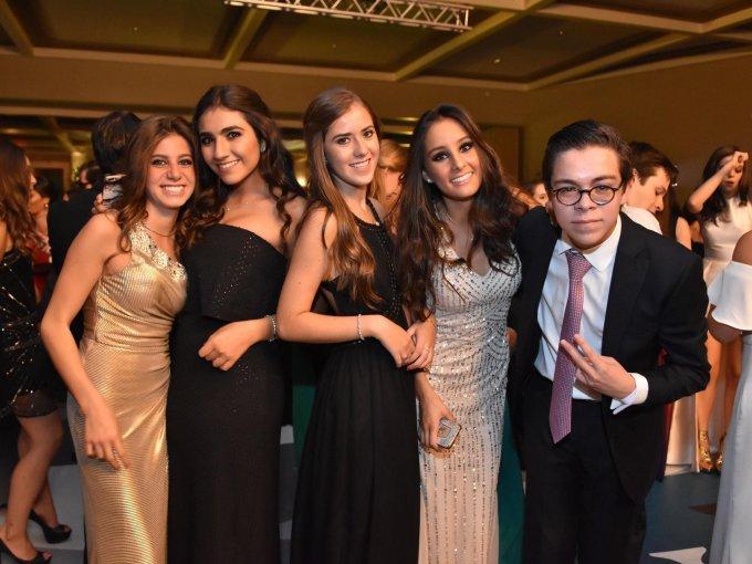 Natalia Caram, Sofía Moisés, Mariana Vázquez, Ximena Gamboa y Juan Pablo Mangino