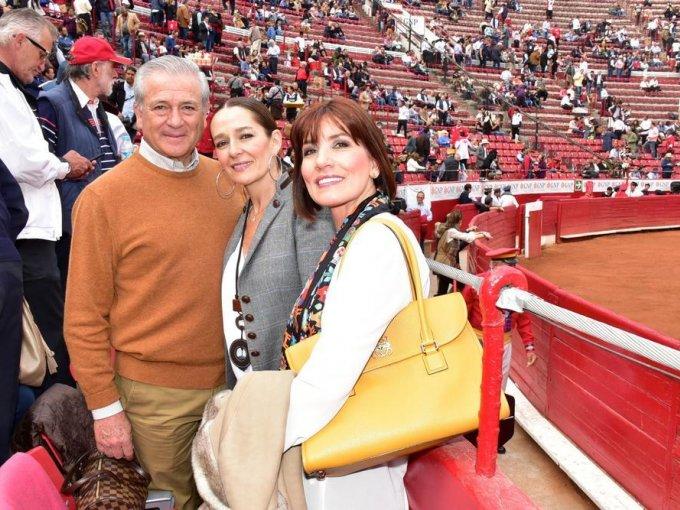 Genaro Borrego, Lorenza Borrego y Yolanda Camarena